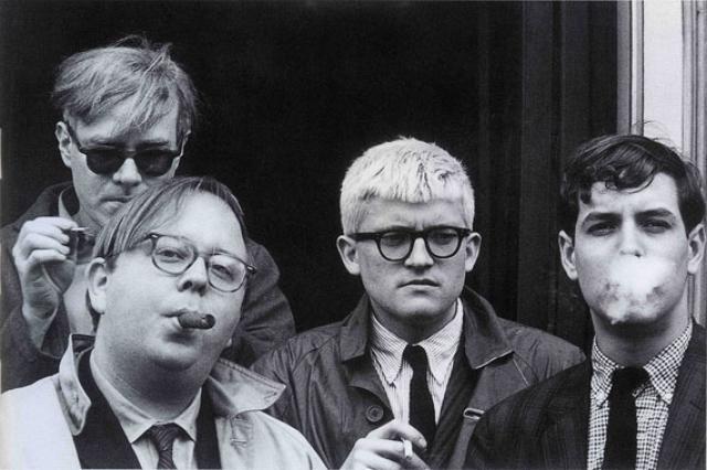 画像: 左から、アンディ・ウォーホル、ヘンリーゲルツァーラー、デイヴィッド・ホックニーやジェフ・グッドマン http://plginrt-project.com/adb/?p=28535