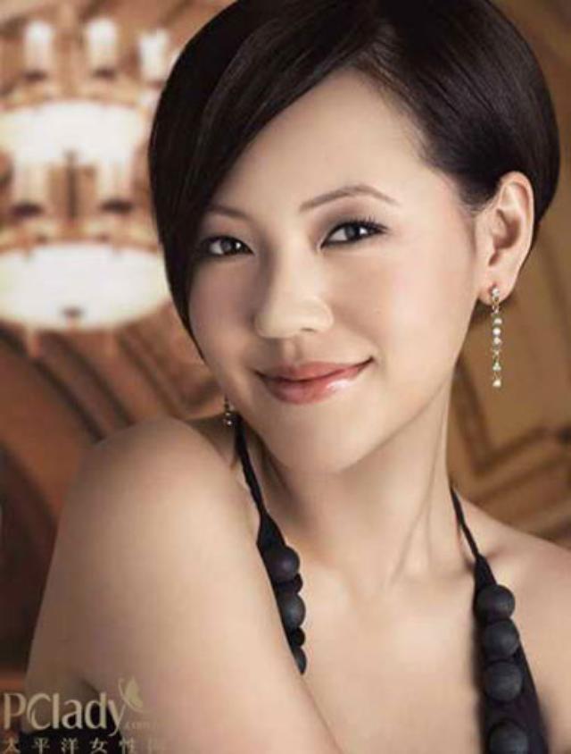 画像: 中国本土でも高い知名度を誇る台湾出身の司会者小S http://ent.enorth.com.cn/system/2010/03/18/004546775.shtml