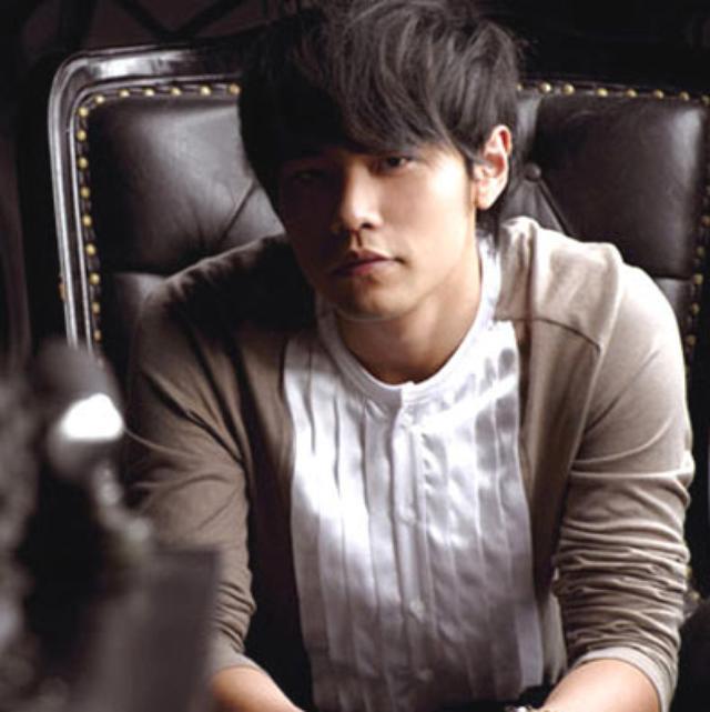 画像: 中華圏で最も有名な台湾出身のアーティスト周杰倫 http://matome.naver.jp/odai/2140828401875937501/2140828582277573203