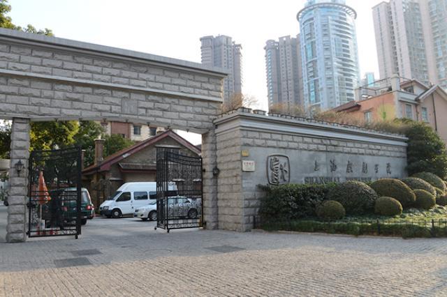 画像: 中国芸能界の登竜門の1つ。上海戯劇学院 http://natalie.mu/comic/pp/sailormoonmusical02