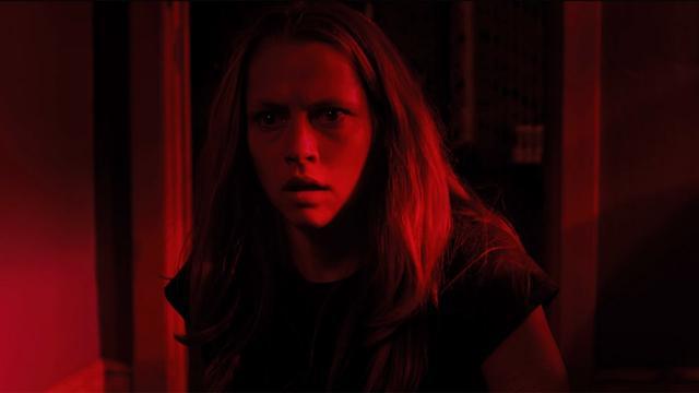画像: Lights Out - Official Trailer 2 [HD] youtu.be