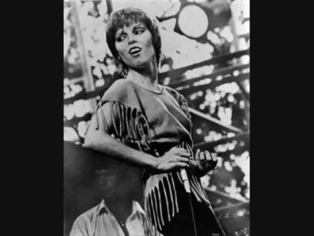 画像: Pat Benatar-Heartbreaker youtu.be