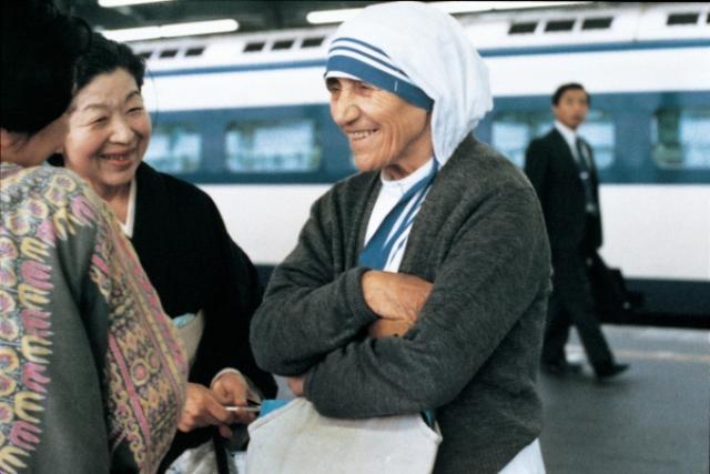 """画像: 2016年マザー・テレサ""""列聖""""記念---愛に満ちた活動の軌跡! 『マザー・テレサ映画祭』再び開催決定!"""