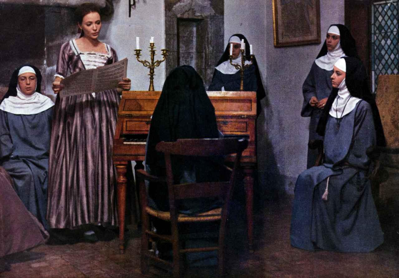 画像3: 発表当時「上映禁止」となった問題作 アンナ・カリーナの美しさが際立つ、至高のフィルム