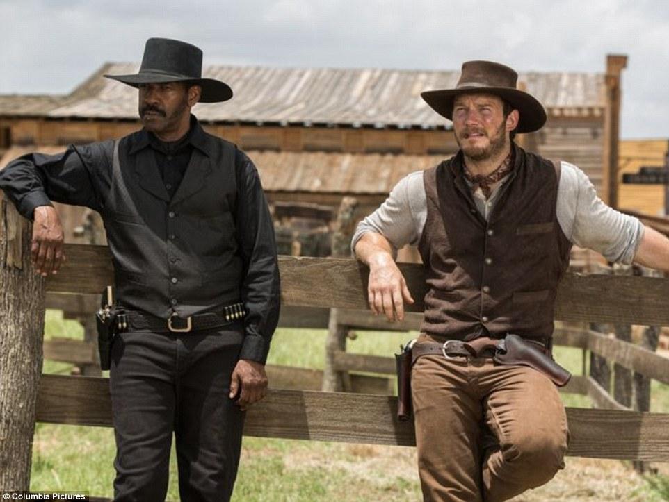 画像1: http://www.dailymail.co.uk/tvshowbiz/article-3548422/Denzel-Washington-Chris-Pratt-pistol-packing-gunslingers-pics-Magnificent-Seven-remake.html