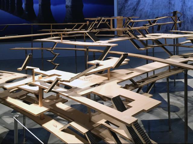 画像: 「つなぐ:渋谷駅(2013)構内模型」 田村圭介(建築家)+昭和女子大学環境デザイン学科 田村研究室 渋谷駅は地下5階、地上3階の複雑な構成。 模型を通して、土木が駅構内をつないでいることを知ることができる。