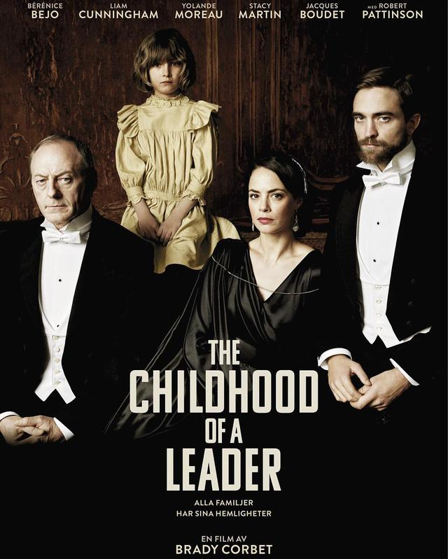 画像: http://www.robertpattinsonau.com/2016/05/01/triart-film-shares-robert-pattinson-thechildhoodofaleader-swedish-theatrical-poster/
