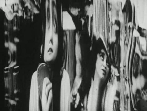 画像2: http://allenjohn.over-blog.com/article-la-folie-du-docteur-tube-abel-gance-1915-107719473.html