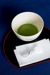 画像: 母屋1階の主座席にて、お抹茶(和菓子付)がいただけます。(受付にてお抹茶券400円をお買い求めください)