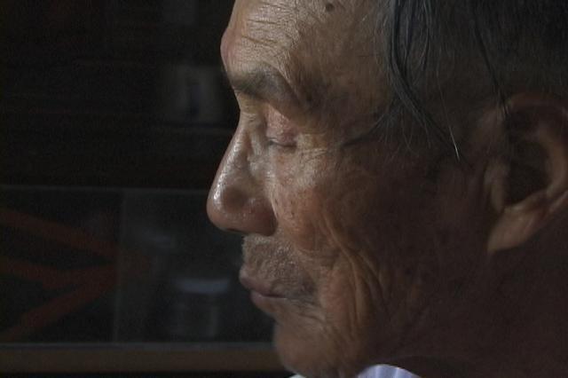 画像1: ●『祖父の日記帳と私のビデオノート』 祖父について思い出すこと、それはいつも畑を耕す姿。その祖父には中国での戦争やシベリア抑留の体験があった。祖父は遠い大地で人を殺めたことがあるのか。最後まで百姓として生きた祖父とその戦争の記憶を、孫である私の眼を通して描く。