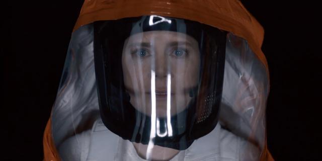 画像2: http://screenrant.com/arrival-movie-reviews-preview/