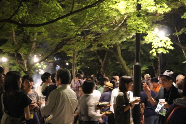 画像1: 懇親会、パーティ、パーティ、パーティ、そして感謝の夕べ---と連日連夜。