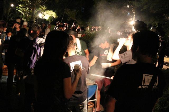 画像2: 懇親会、パーティ、パーティ、パーティ、そして感謝の夕べ---と連日連夜。