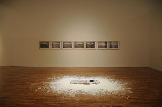 画像: 李康昭  Lee Kang So(韓国) Untitled 75031 Wood,Plaster,Iron,Chalk,photos  1975