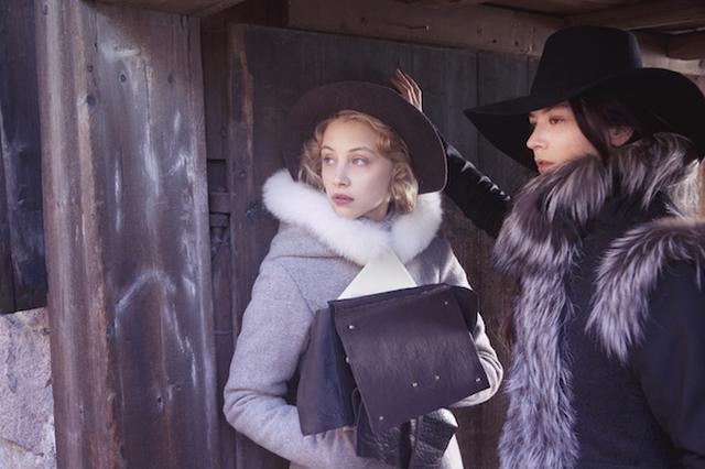 画像2: http://www.afterellen.com/movies/453015-girl-king-tells-tale-swedens-queer-queen-christina-lady-love