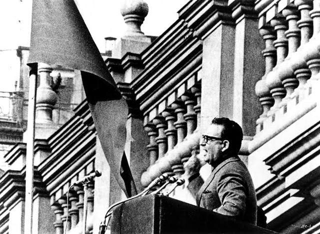画像: (c) 1975, 1976, 1978 Patricio Guzmán