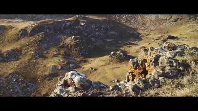 画像: 『神なるオオカミ』 Wolf Totem Trailer (2015) - 狼图腾 youtu.be