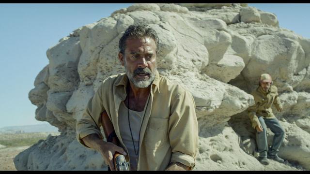 画像1: http://www.comingsoon.net/movies/trailers/770639-new-desierto-trailer-with-gael-garcia-bernal-and-jeffrey-dean-morgan #/slide/3