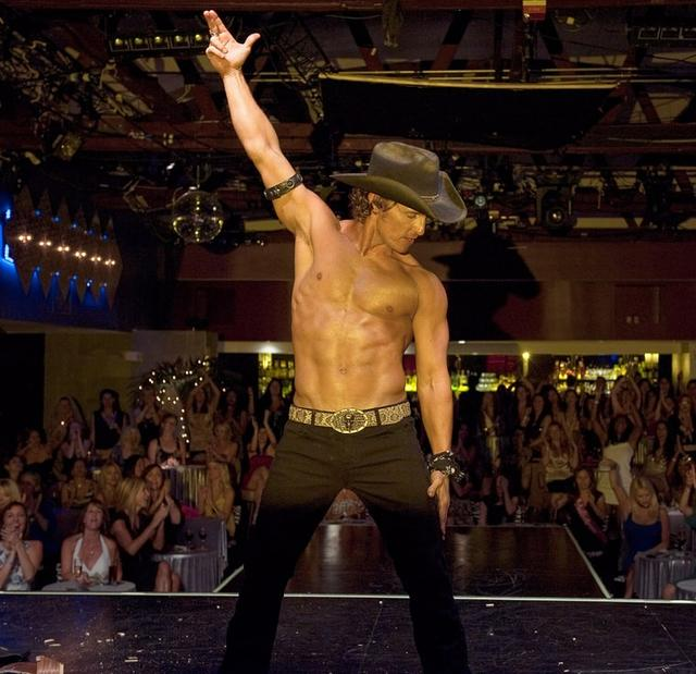 画像: http://www.usmagazine.com/celebrity-news/news/matthew-mcconaughey-not-returning-for-magic-mike-2-costar-claims-2014196