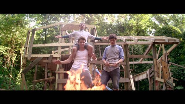 画像: The Kings of Summer - Official Trailer [HD] youtu.be