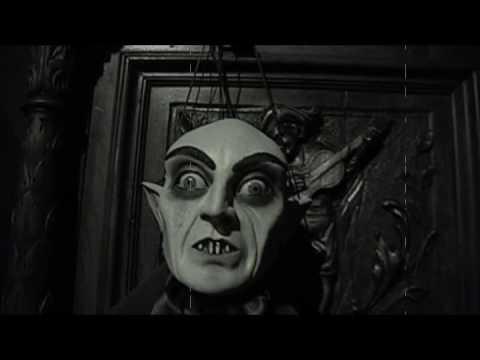 画像: Guillermo Del Toro: At Home with Monsters youtu.be