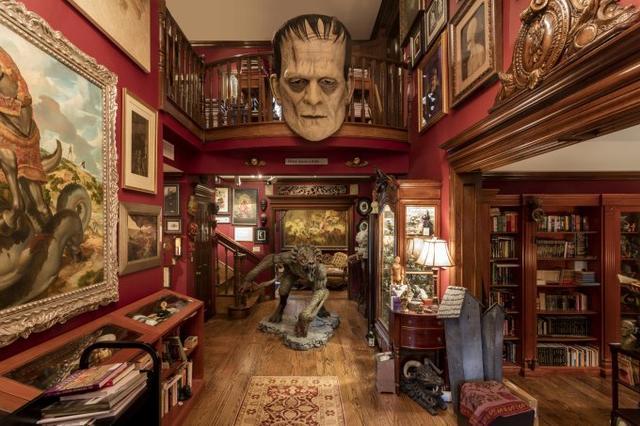 画像: Guillermo del Toro: At Home with Monsters | LACMA
