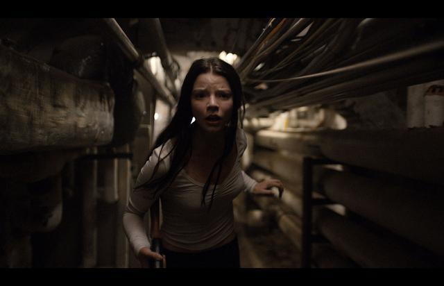 画像3: http://www.slashfilm.com/split-trailer/
