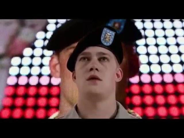 画像: Billy Lynn's Long Halftime Walk - Trailer 1 Subtitulado youtu.be