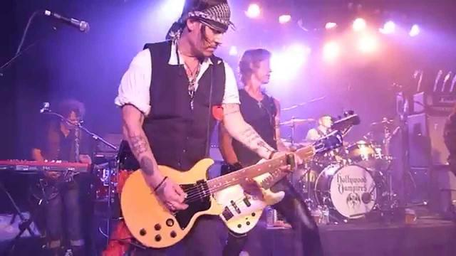 "画像: HOLLYWOOD VAMPIRES ""Whole Lotta Love"" Roxy Theatre West Hollywood CA Johnny Depp 9/16/15 Ke$ha youtu.be"