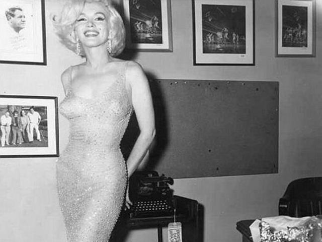 画像: Marilyn Monroe窶冱 iconic Happy Birthday dress up for auction. Have $2-3 mil?