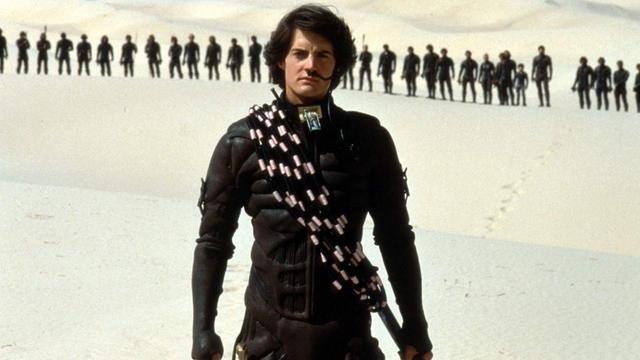 画像: http://www.avclub.com/article/dune-cant-capture-novels-incalculable-brilliance-233858