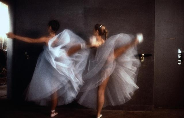 画像2: http://www.spiegel.de/fotostrecke/fotograf-david-hamilton-zum-80-geburtstag-das-nackte-entsetzen-fotostrecke-110304-7.html