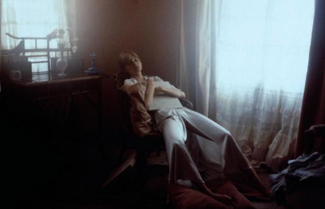 画像: http://www.cinemagia.ro/filme/laura-les-ombres-de-lete-158581/imagini-hires/1093067/