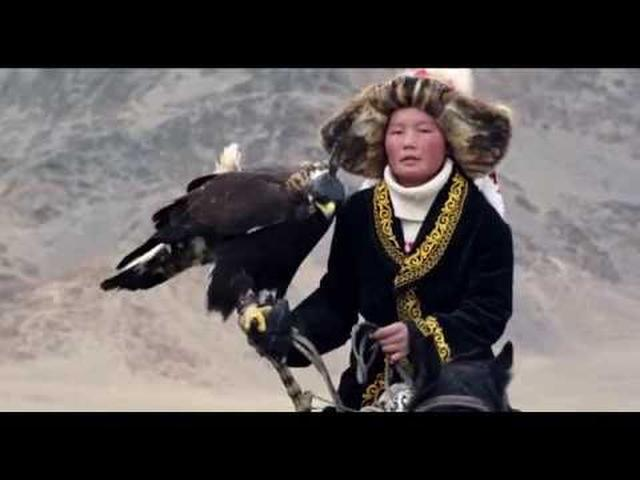 画像: THE EAGLE HUNTRESS (2016) - Official HD Trailer youtu.be