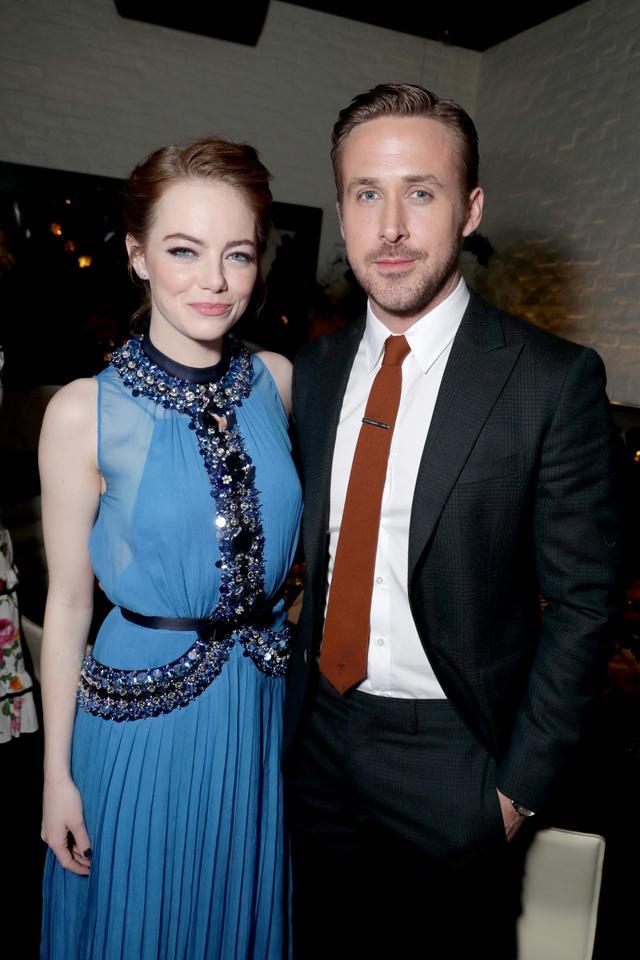 画像7: EW0001: Sebastian (Ryan Gosling) and Mia (Emma Stone) in LA LA LAND.  Photo courtesy of Lionsgate.© 2016 Summit Entertainment, LLC. All Rights Reserved.