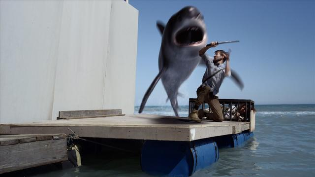 画像: 人間か。鮫か。『PLANET OF THE SHARKS 鮫の惑星』