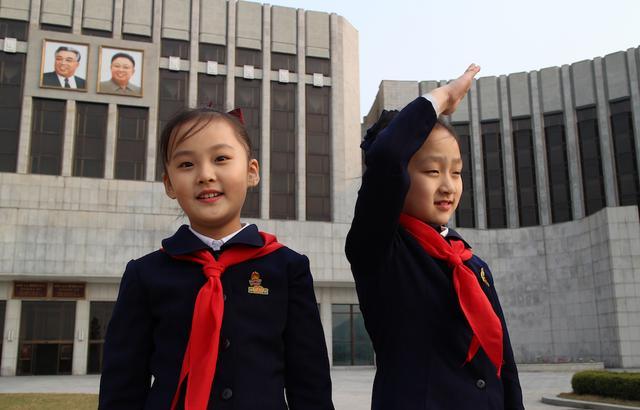 画像: 'Under the Sun' Review: A Terrifying Glimpse Inside North Korea's Dictatorship