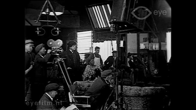 画像: 1919 - Behind the Scenes of Movie Production in Hollywood (speed corrected w/ music) youtu.be