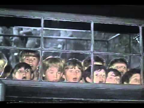 画像: Oliver! Trailer 1968 youtu.be