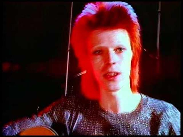 画像: David Bowie – Space Oddity [OFFICIAL VIDEO] youtu.be