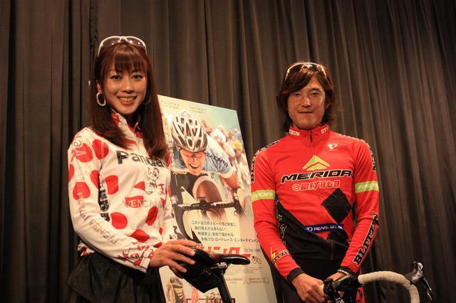 画像: 左から:絹代、鈴木真理
