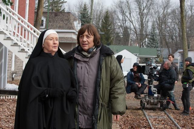 画像3: 撮影中のレア・プール監督