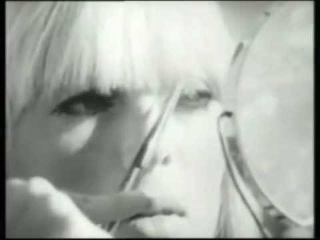 """画像: The Velvet Underground & Nico """"I'll Be Your Mirror"""" (Warhol film footage) youtu.be"""