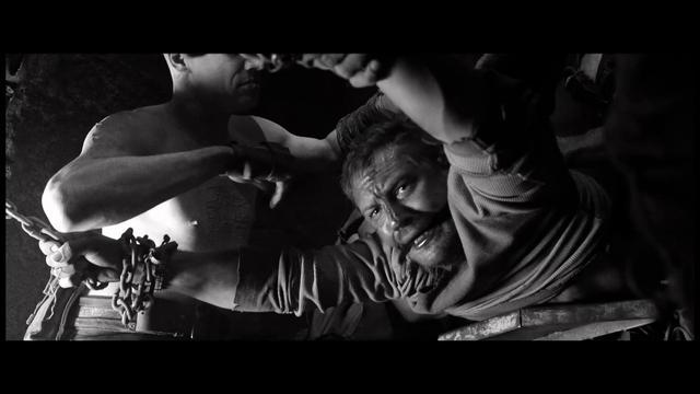 画像: ブルーレイ『マッドマックス 怒りのデス・ロード <ブラック&クローム>エディション』Escape 2月8日リリース youtu.be