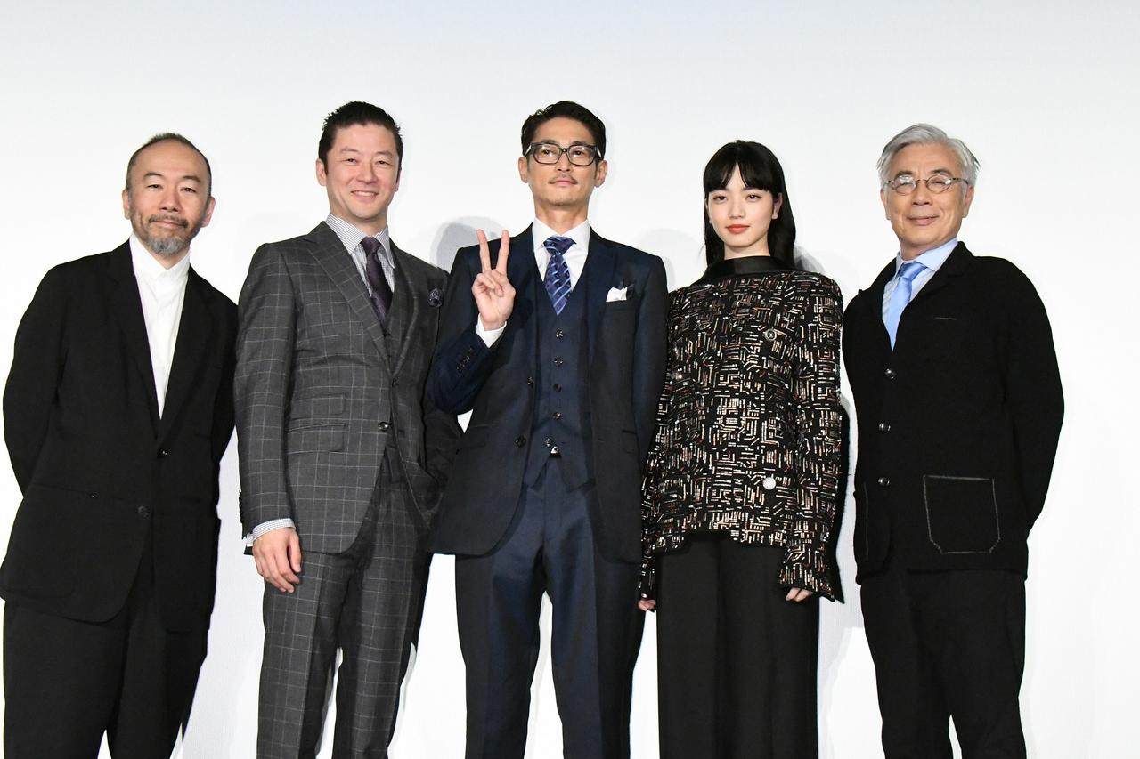 画像: 左より 塚本晋也、浅野忠信、窪塚洋介、小松菜奈、イッセー尾形