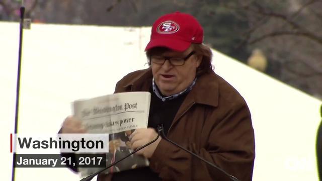 """画像: Michael Moore speaks out against Donald Trump """"Trump takes power, I don't think so"""" youtu.be"""