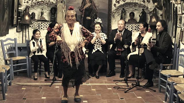 画像: グラナダの洞窟の人々の暮らし、愛、そして生と死…… 力強い歌と踊りで先人たちが紡ぎ出す人生の味わいに満ちたドキュメンタリー