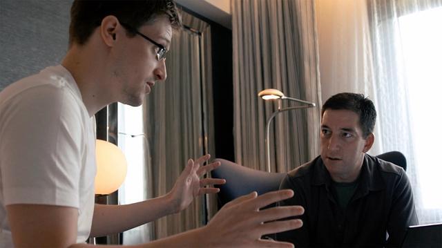 画像: エドワード・スノーデンを取材するグレン・グリーンウォルド(元『ザ・ガーディアン』記者/ニュースサイト『ジ・インターセプト』創立者)