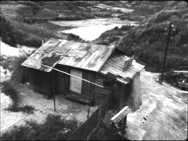 画像: Pitfall (1962) Theatratical Trailer youtu.be