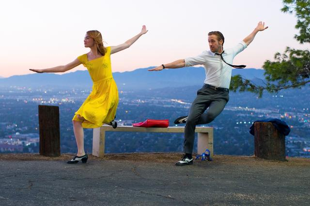 画像1: © 2017 Summit Entertainment, LLC. All Rights Reserved. EW0001: Sebastian (Ryan Gosling) and Mia (Emma Stone) in LA LA LAND.Photo courtesy of Lionsgate.